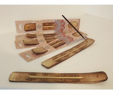 H8350013 Hout. Incense burner ski 25 cm. Packed apiece.