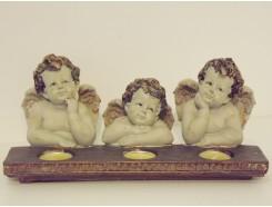 P1035737 Poly. 3 engeltjes met 3 waxinelichtjes 30 x 13 cm.