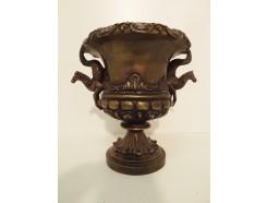 03400041 bronzen urn met paarden-handvaten. Hoogte : 24 cm. diameter 20 cm.