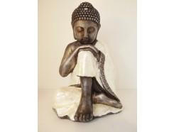 P1035682 Poly. Thinking boeddha parelmoer 38 cm.