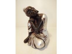P1035280 Poly. Sleeping boeddha. Zwart-zilver. Hoogte : 10 cm.