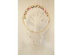 8530079C Dreamcatcher. XL dreamcatcher tree of life met rieten rand en witte veren met gekleurde houten kralen diameter 40 cm.