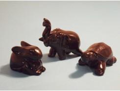 4107100L Edelsteen. Set van 3 onyx beestjes +/- 4 cm. Haas, schildpad en olifant.