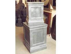 G461-AS Garden set van 2 pilaren/sokkels lxbxh : 40x40x57 en 52x52x75 cm. Antique Silver.