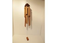GA8530047 Gong halve cocosnoot met 6 bamboe pijpen. Lengte : 50 cm.
