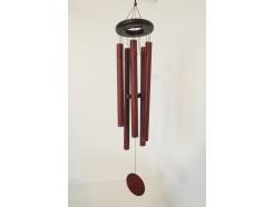 8488417 Windgong. Windgong met 5 gestemde houtlook pijpen aan houten cirkel en ronde houten klepel. Lengte : 93 cm.