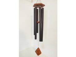 8488104 Windgong. Windgong met 6 gestemde donkergrijze metalen buizen aan houten 6-hoekige basis met houten klepel. Lengte : 118 cm.