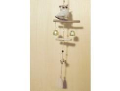 M51372 Metal decoration hanging. Porseleinen uil met houten klappers en koperen bellen. 61 cm. Per 6 stuks verpakt. Prijs is per 6 stuks.