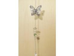 M50290 Metal decoration hanging. Spiraal met glazen bal en zilveren vlinder. 58 cm. Per 6 stuks verpakt. € 4,00 per stuk.