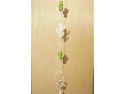 M51060 Metal decoration hanging. 2 groene stenen en 1 witte metalen cactus en waxinelichthouder.100 cm. Per 6 stuks verpakt. Prijs is per 6 stuks.