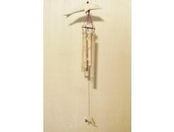 GA8530009 Gong. 2 houten dolfijnen met 5 bamboe pijpjes. 80 cm.