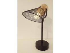 L21646D Led lamp. Tafelmodel ledlamp op ronde zwart metalen basis (diameter 12 cm.) met draadstalen conische kap (diameter 16 cm.) aan houten basis. Hoogte 38 cm. Op 3 AAA batterijen (niet meegeleverd).