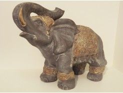 P1038-14 Poly. Olfant met dekkleed Asian gold. H x B : 42 x 55 cm.