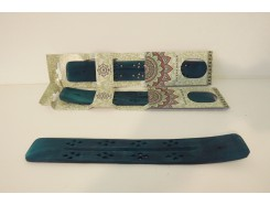H8350013G Wood. Incenseburner ski 25 cm. groen. Per stuk verpakt.