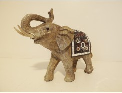 P1035712 Poly. Elephant marble wood medium. Hoogte : 19 cm.