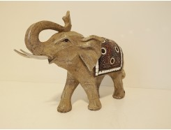 P1035713 Poly. Elephant marble wood large. Hoogte : 22 cm.