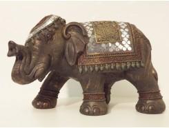 P1035502 Poly. Zwarte lopende olifant met gekleurde spiegeltjes. L x H : 34 x 21 cm.