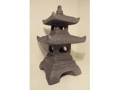 G1037110-DG Garden gedetailleerd gegoten donkergrijze pagode voor binnen en buiten. LxBxH : 29x29x51 cm.