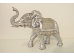 P1035697 Poly. Olifant zilver met dekkleden. LxH : 36x26 cm.