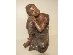 P1035809 Poly. Large sleeping boeddha met spiegeltjes. Hoogte 35 cm.