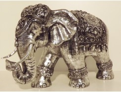 P1035607 Poly. Olifant Large zilver. HxL 47 x 65 cm.