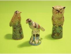 vingerhoed2. Vingerhoed set van 3 cloissonnee vingerhoed dieren +/- 6 cm. hoog.