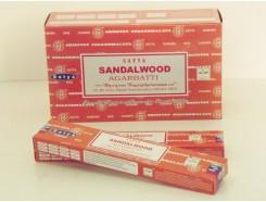 W8355205 Wierook Satya Sandalwood. Box met 12 pakjes.
