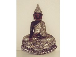 P1034014 Poly. Magneet Thai boeddha hoogte : 8,5 cm. Zwart-zilver. Per 12 stuks verpakt. € 1,50 per stuk.
