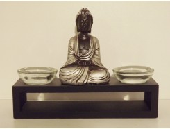 P1035420 Poly. Boeddha met 2 glasbakjes voor waxine. Zwart-zilver. Lengte 17 cm.