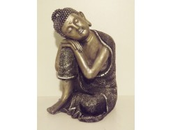 P1035471 Poly. Sleeping boeddha bewerkt zwart-zilver. Hoogte : 30 cm.